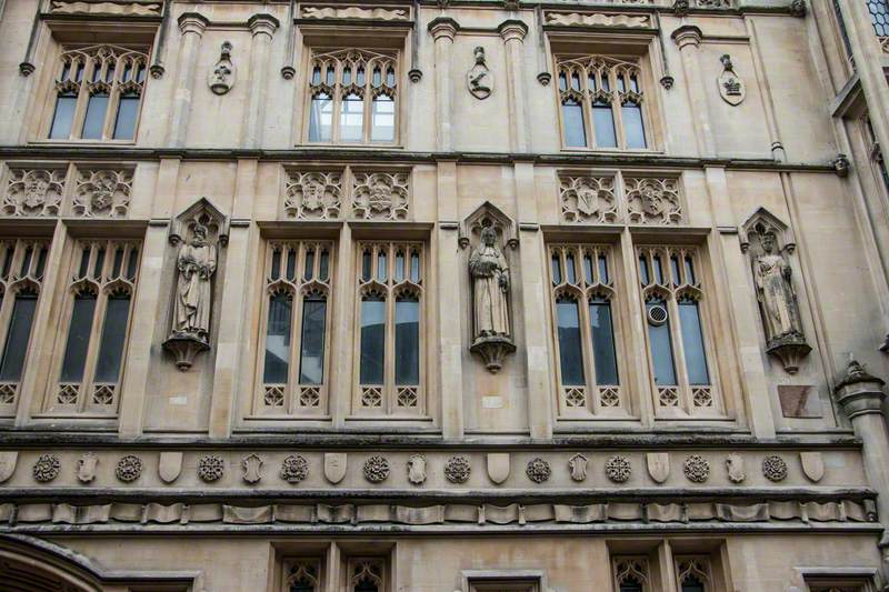 Guildhall Figures on Facade