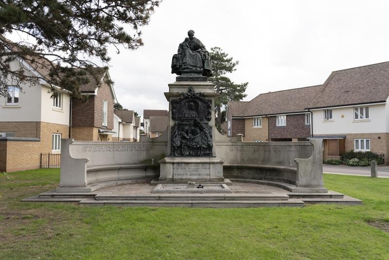 Memorial to Thomas John Barnado