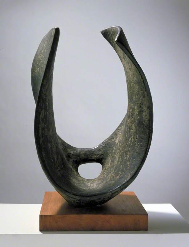 Curved Form (Trevalgan)