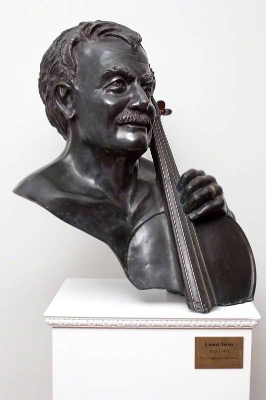 Lionel Tertis (1876–1975), Holding his Viola