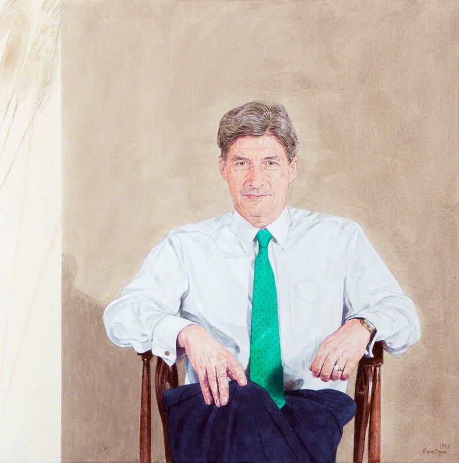 Dr Ken Edwards