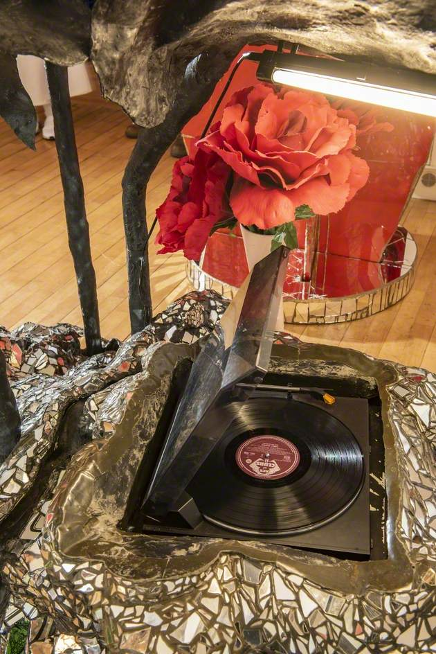Arum Lily Record Player